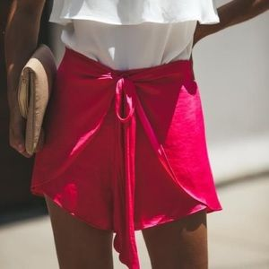 NWT Vici Pink Tie Shorts